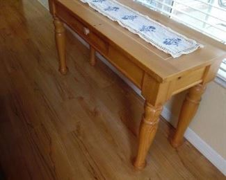 Broyhill Sofa Table with Drawer