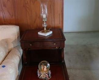 Heritage  Henredon  step  table