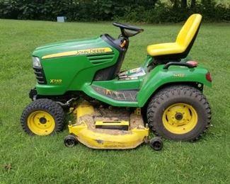 John Deere X749 Ultimate garden/lawn tractor
