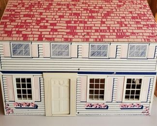 Vintage 60s Doll House