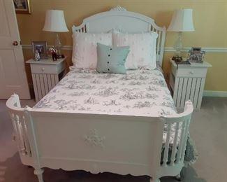 Antique Full White Bed