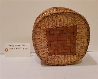 Lot 14 detail of basket bottom