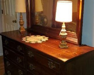 bedroom dresser and mirror