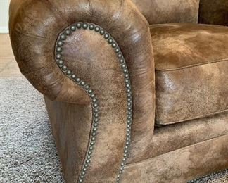 Broyhill Rustic Faux Leather/Suede Nailhead  Oversized Chair	37x68x38in	HxWxD