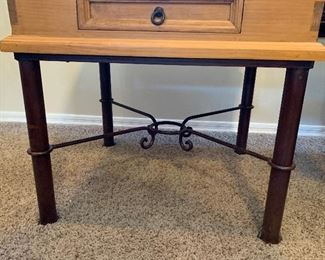 Mexican Rustic Straight Iron Leg End Table	28x30x30in	HxWxD