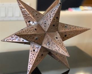 18in Mexican Punched Star	18x18x18	HxWxD
