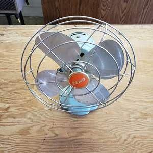 Small Zero Metal Vintage Fan Blows like the big ones!