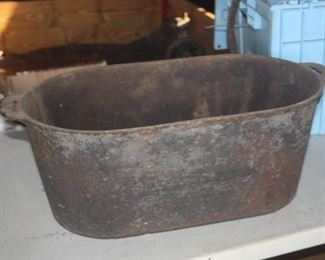 CAST IRON FOOTED POT