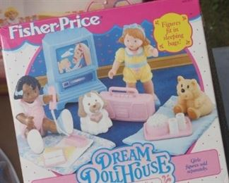 FISHER PRICE DREAM DOLL HOUSE FURNITURE