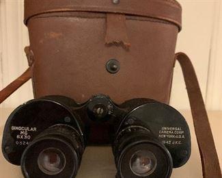Universal Camera Company in Original Leather Case WWII Era