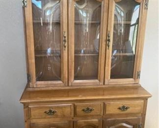 Awesome Hutch!!