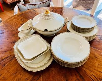 $ Dinner plates $10 each  dessert plates $6 each Hutschenreuther Hohenberg, Germany  6 dinner plates, 6 salad plates, 6 bread or dessert plates