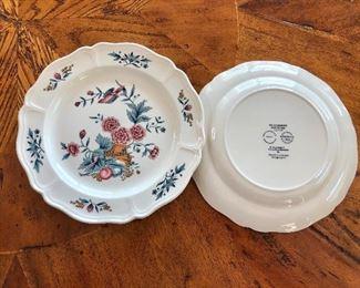 $10 each Detail Wedgewood Williamsburg Potpourri dishes