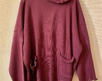$20 - Knitted shirt. Estimated size XL