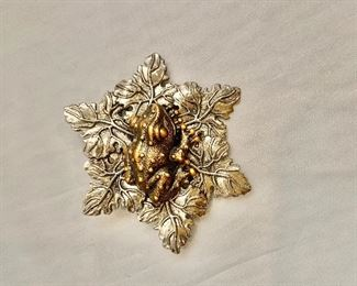 """$18 Silvia Dahl, signed, frog and maple leaves fur/scarf dress clip. 2.25""""D"""