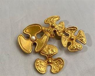 "$30 - Rachel Gera, signed, gold tone brooch. 2.25""W"