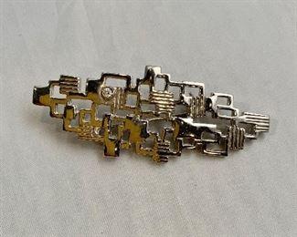 """$20 - Silver tone pin.  2.5""""L"""