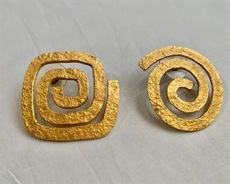 """$150 Sandra Enterline (Santa Fe artist) swirl earrings, signed.  1.25""""D"""