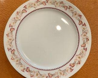 "$20 - Set of four Narumi china dinner plates. Pattern ""Hartford"" 10""D"
