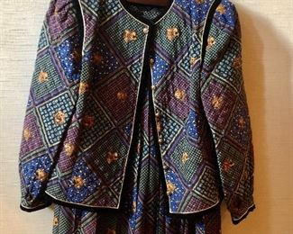 $45 - Saks Fifth Avenue quilted silk jacket and skirt set. Size 46.