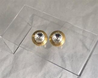 $20 Costume clip earrings