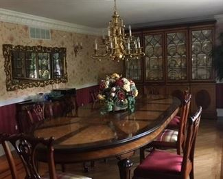 EJVictor Dining Table with 3 Leaves(2 in photo)  Converts to traditional oval with leaves