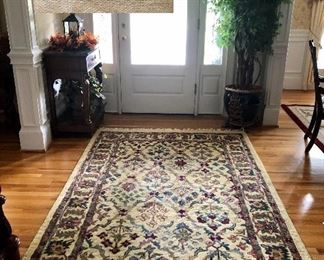 Meridian rug hand made in India, 100% wool