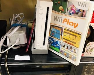 Wii gaming system, VHS recorder