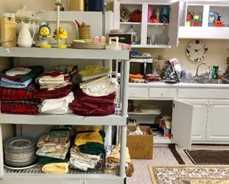 Table clothes and place mats, clay cooker and more