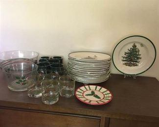 010D Spode Christmas Tree plates barware