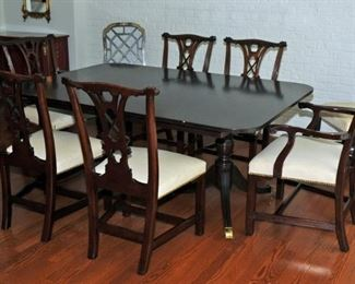 Vintage Kindel Dining Room Table Ball & Claw Winterthur Collection w Four Leaves & 6 Chairs