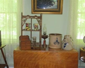 stoneware, Majolica pitchers, kerosene lamp & drop leaf table