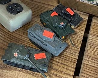 old vintage army tanks toys - lots more in box4