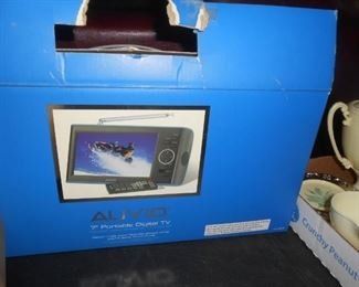 "Auvid 7"" Portable Digital TV"