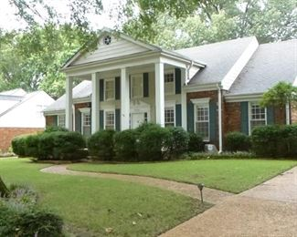 Nice home for sale in Germantown filled with traditional furniture,  antiques,  and accessories