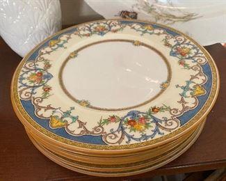 "Mintons ""Kenora"" England pattern  set of dinner plates"