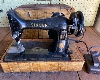 1957 Singer portable seeing machine