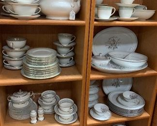 "$525  OBO ~ WOW! ROYAL DOULTON MADE IN ENGLAND ""BERKSHIRE ""TC 1021 ~ 1965-1973 WHITE GREEN PATTERN FINE CHINA SET . THIS A HUGE SET WITH LOTS OF NICE SERVING PICES AND CREAM SOUP BOWLS"
