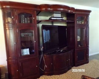 entertainment center, flat screen