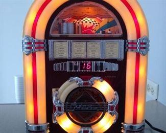 Tabletop Jukebox CD player/radio
