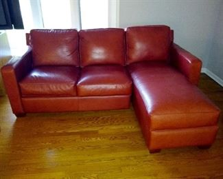 Stunning Thomasville red leather sofa!