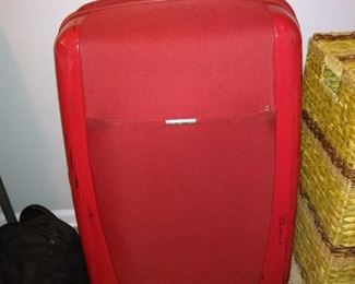 Samsonite 360 wheels suitcase