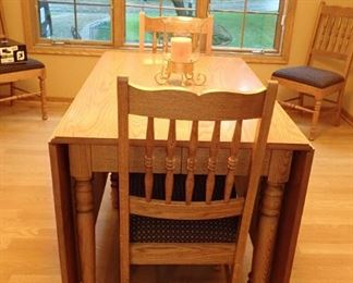 OAK DROP LEAF TABLE AND 4 - CHAIRS & 3 LEAVES