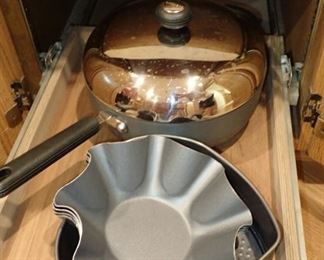 POTS AND PANS - BAKEWARE