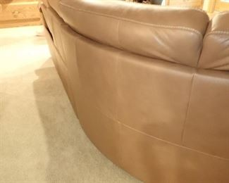 """NATUZZI LEATHER ROUND SECTIONAL - WITH 3 - POWER RECLINERS  - SIZE 115"""" TO MIDDLE 115"""" TO END X 37 DEEP X 38"""" TALL - EXCELLENT CONDITION"""