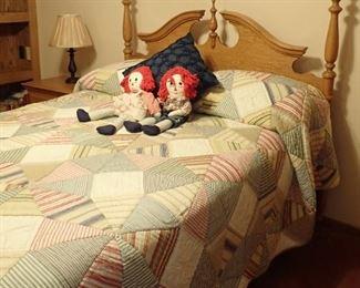 OAK FULL SIZE BED - HEADBOARD - FOOTBOARD - RAILS - MATTRESS - & QUILT & RAGGEDY ANN & ANDY