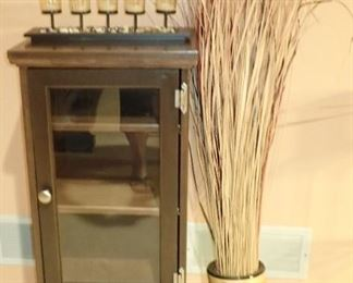 VASE WITH DRIED / GLASS DOOR SIDE CABINET