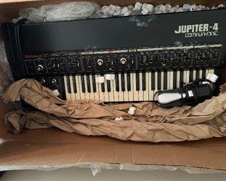 Roland Jupiter 4 compuphonic!