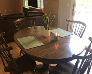 Pedestal dining set