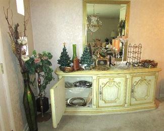 Nice Buffet, Wall Mirror, Ceramic Christmas Trees